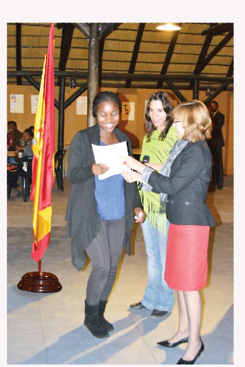Sarah Mwatilifange, president of the club, Laura Breton, who gives Spanish classes at UNAM and Carmen Diez, Spanish ambassador to Namibia