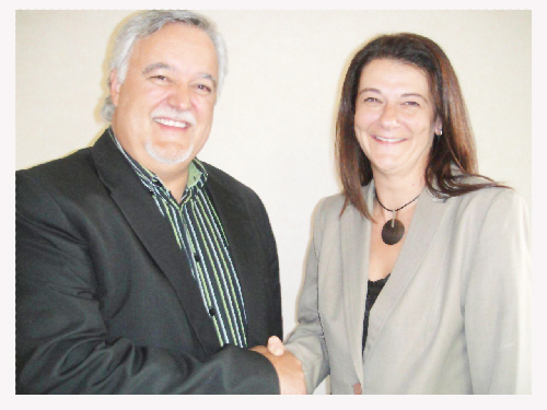 Professor Adré Schreuder, SAMRA chair, with newly appointed SAMRA CEO, Leonie Vorster.