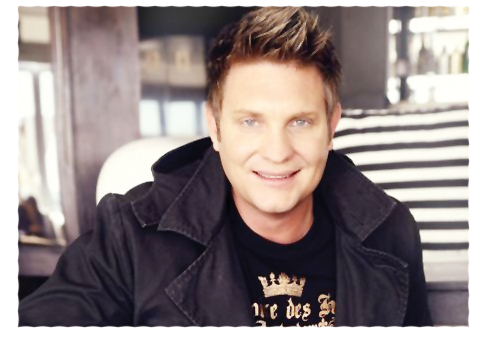 Singer, songwriter and actor Kurt Darren is set to grace Namibian soil once more as he performs at the Windhoek show grounds this weekend. Darren is best known for his Afrikaans hits 'Kaptein and Meisie Meisie' which sold over 60,000 copies when it was realised in 2002.