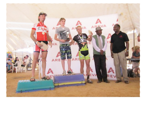 Winner of the 70km MTB Tristan de Lange, flanked by Olympians, Mannie Heymans and Marc Bassingthwaighte.