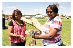 Ilene (left) and Trudie Tsowases sold hand-made jewellery at the Rehoboth Baster Day. (Photograph Contributed)