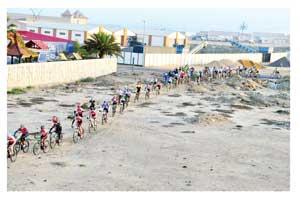 Mountain bikers taking on the KIA Swakopmund mountainbike Marathon (Photograph By Benjamin Linsner)
