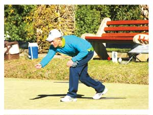 Schalk van Wyk (Eros Bowls Club) will challenge defending champion, Will Esterhuysen, in the Champion of Champions competition on Friday.