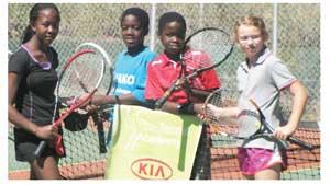 Denize Murorua & Lisa Yssel congratulate Nguvi & Veri Hinda after their match in last week's Kia Tennis Tournament