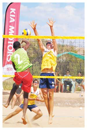 Tin Hlupic and Gerard Fischer are the favourites for Saturday's Maerua Superspar Beach Volleyball tournament, which forms part of the Kia Namibia National Beach Volleyball Tour.