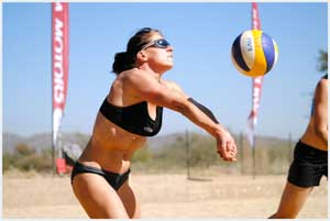 Anita Kinder in action during the last Kia Namibia National Beach Volleyball Tour even