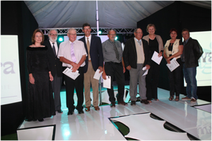 (From left to right) Dagmar Honsbein, GM of Agra ProVision; LJ Kotze of Kleinbegin; P Steenkamp of Aukam; Mr Strauss of The Rossouw Strauss Trust; MM Steyn of A-Hingas; PHK Maritz of Hudap; Meyer Boerdery, Perdevlei and Mr and Mrs de Jager of Swartkop Farming.