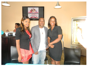 Owner of Hemline Fashion and 2013 Windhoek Lager Ambassador for Arts, Hem Matsi, Zox Labuschagne of Bling Entertainment and Katrina Kandjii of Ipaha Travels at the launch of the fashion show held at Mojoes Café earlier this week.