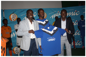 Chairman of the NPL Johny Doëseb (left) with MTC's Tim Ekandjo at the launch of the Kit. (Photograph by Musa Carter)