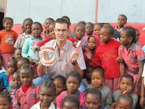 Dr. Coenie de Villiers with the Grade 1 learners of Otjomuise Primary School, where he showed them how to take good care of their teeth. Dr De Villiers has been a long-standing partner of the CSO Aids Orphan Foundation in helping young learners to be more aware of oral hygiene. He regularly conducts clinics for the foundation to ensure the dental health of orphaned children.