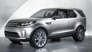 "Jaguar Land Rover this week revealed its new digital Discovery at the New York Auto Show. The new Discovery includes such pioneering technologies as a ""see-through bonnet"" to help the driver with visual assessment of the terrain immediately in front of the front wheels."
