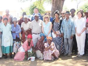 Her Excellence Carmen Díez (centre), the Spanish Ambassador, took her embassy staff and the office of the Omaheke Governor on a fact finding mission to the remote Drimiopsis community earlier this week.