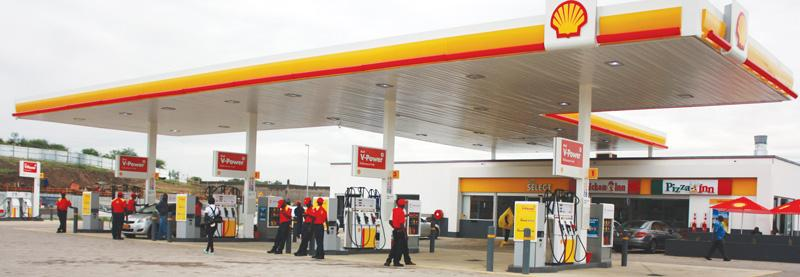 The sparkling forecourt of the new Shell service station in Windhoek's Lafrenz industrial area. This is the first service station by any of the local oil companies in this industrial township. Lafrenz Shell joins the proud stable of the many Shell outlets spread across the country.