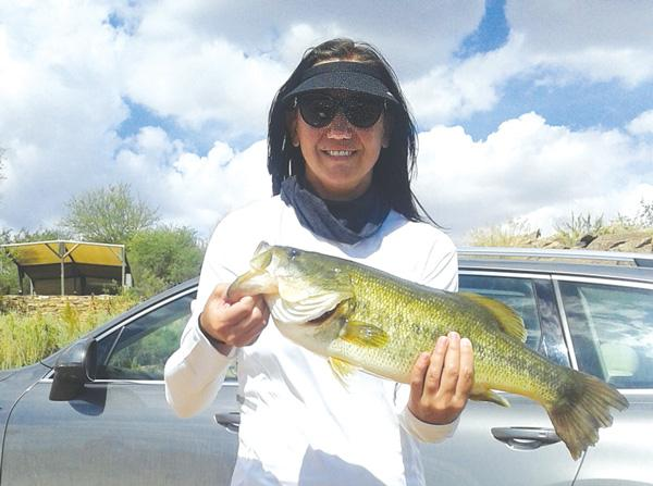 Adri van Tonder, winner of the ladies biggest fish category and 3rd biggest fish of the tournament in the open category.