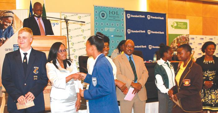 Standard Bank rewards the brainy students