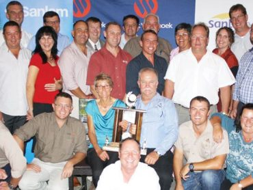 Agra Weaner auction competition winners awarded