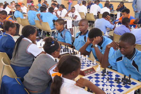 Playing only on weekends turn players into chess champions