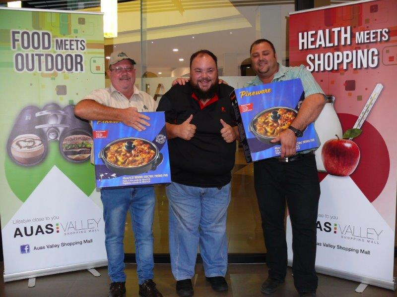 Auas Valley draws thousands of shoppers with late night braai competition