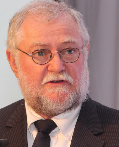 Schlettwein partly blames downgrade on poor performing SOE's