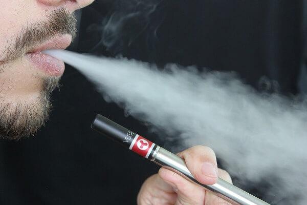 The dangers of E-Cigarettes/Vaping