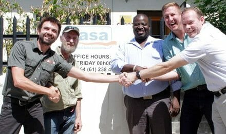 Lion Response Team funded by tourism industry to manage conflict between local communities and roaming lions