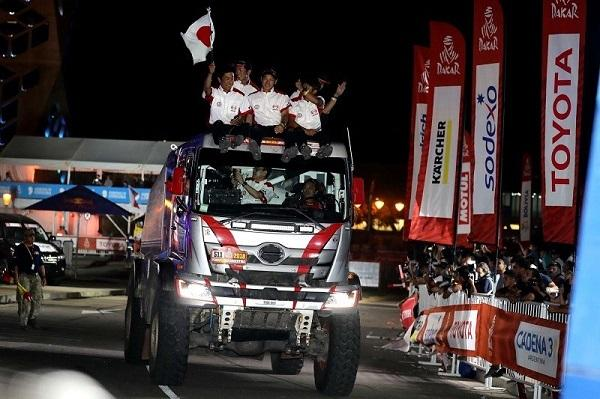 Hino leverages Dakar win to build unbeatable commercial trucks