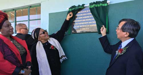 Platoon system era ends at Moses //Garoëb Primary School – new school block handed over