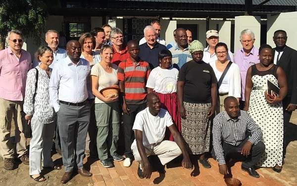 German parliamentary group observes first-hand the benefits of bush harvesting for local communities