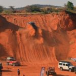 Land Rover owners tackle Tsumeb's old sandpit to show what a Landie, and some other cars, can do