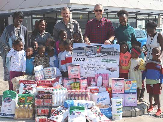 Auas Valley's late night shopping turns out groceries for vulnerable children