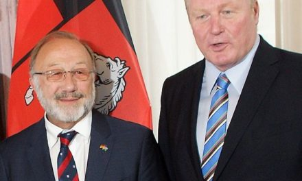 Bundesverdienstkreuz bestowed on life-long Namibian friend, Klaus Hess