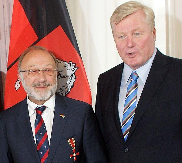 Bundesverdienstkreuz bestowed on life-long Namibian friend, Klaus Hess