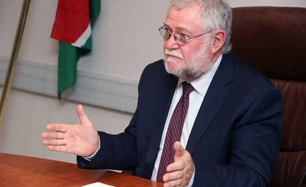 Schlettwein says government to take consolidation measures after Moody's downgrade
