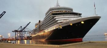 Queen Elizabeth docks in Walvis Bay