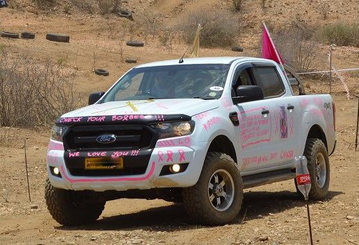 Land Rover owners join forces with other 4×4 brands to support the fight against cancer
