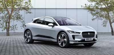 Jaguar I-PACE taxis on world's first wireless high-powered charging rank