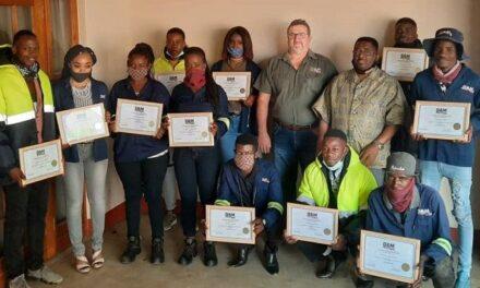 Railway construction technicians complete maintenance training