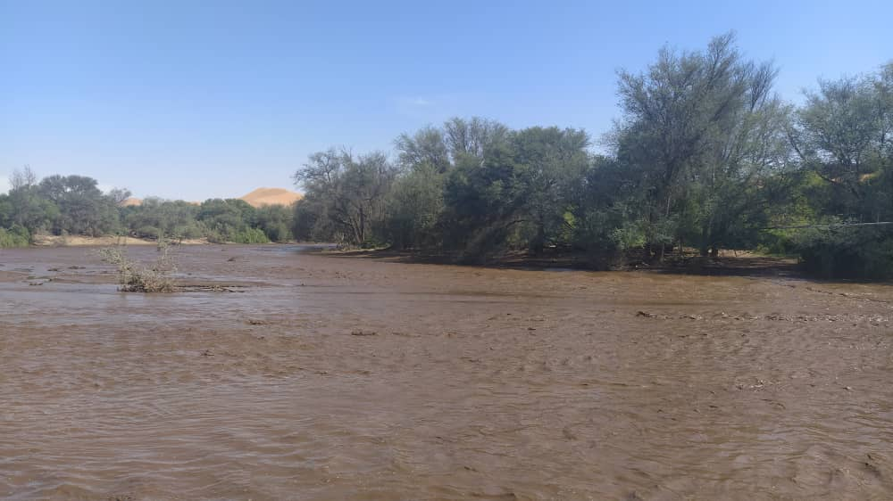 Kuiseb River currently at 1,25 m after peaking at 2,5 m 24 hours ago, its highest since 2013