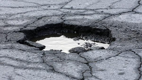 Roads Authority warns of pothole peril on Rundu Divundu road – urgent repairs to start immediately