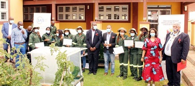 Young graduates trained in precision desert agriculture