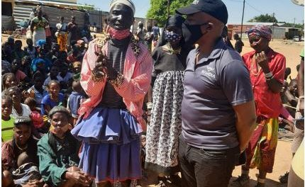 Angolan nationals and Ovahimba communties in drought stricken areas receive humanitarian aid from NAMDIA