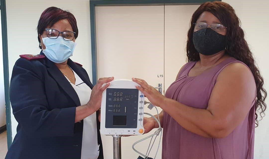 U.S. donates health equipment to Erongo's health directorate