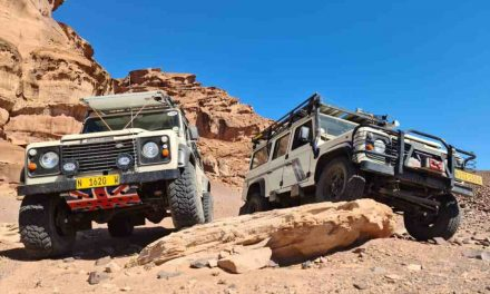 Robbie Mitchell manoeuvres in desert sand, hills, valleys to clinch Land Rover Two Rivers trophy