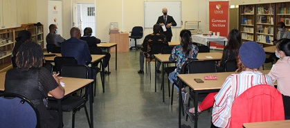 UNAM's language departments opens refurnished multimedia room